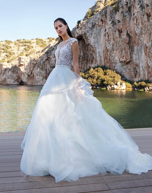 flowy-wedding-dresses-elegant-bridal-look-demetrios_02