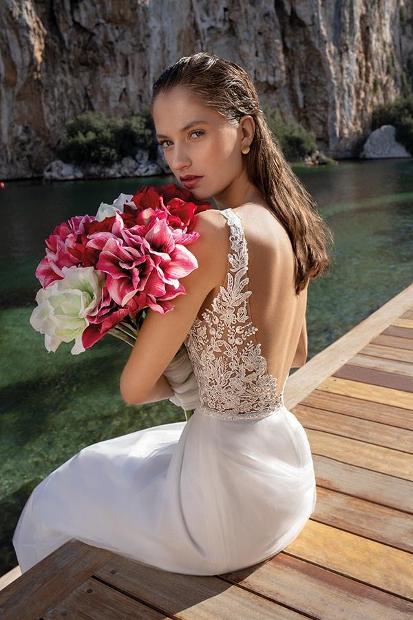 flowy-wedding-dresses-elegant-bridal-look-demetrios_03