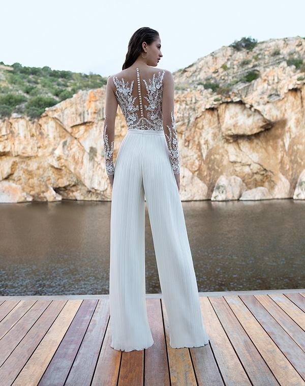flowy-wedding-dresses-elegant-bridal-look-demetrios_05