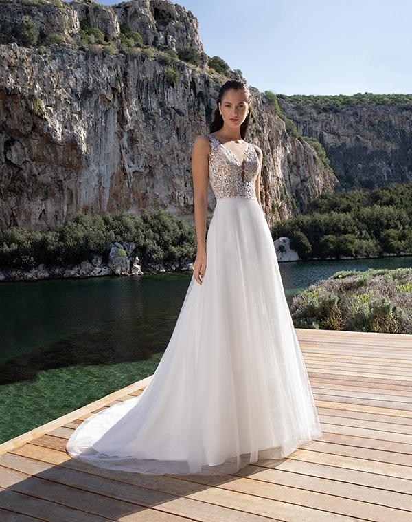 flowy-wedding-dresses-elegant-bridal-look-demetrios_07