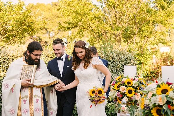 Πανέμορφος γάμος – βάπτιση στην Αθήνα με αγριολούλουδα | Μαριέλλη & Νίκος