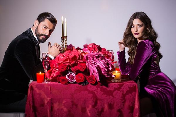 Luxurious elegant χριστουγεννιάτικο styled shoot σε μπορντό αποχρώσεις