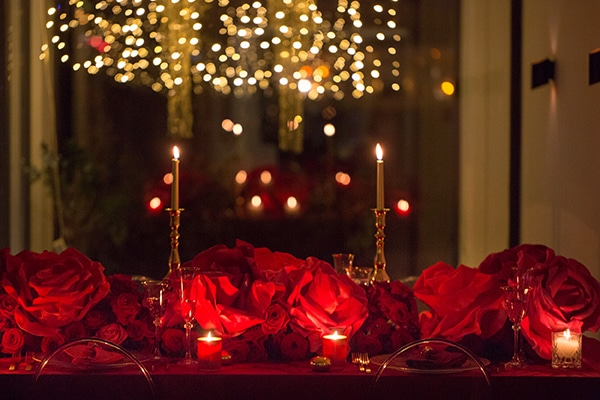 luxurious-elegant-christmas-styled-shoot-burgundy-hues_13x