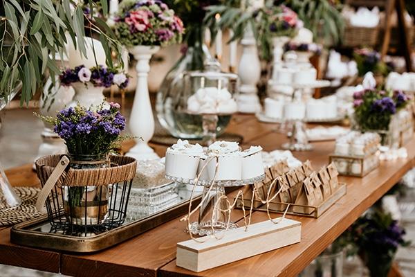 Ρομαντικες ιδεες διακοσμησης garden wedding με κερια και ρουστικ λεπτομερειες