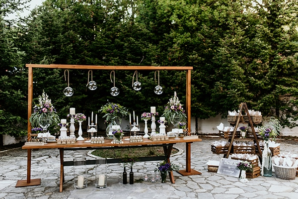 romantic-garden-wedding-ideas-decoration-many-candles-rustic-details_01x