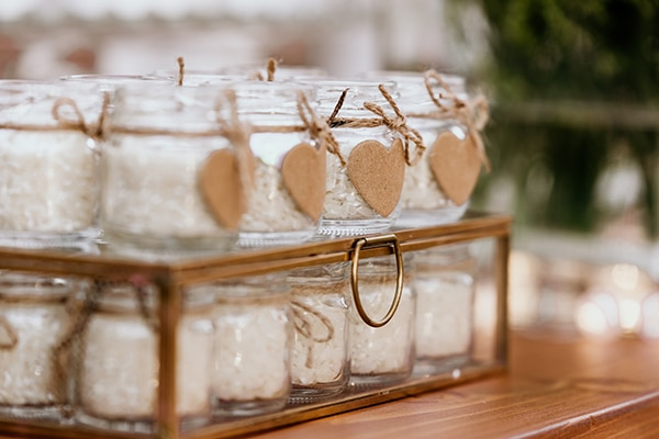 romantic-garden-wedding-ideas-decoration-many-candles-rustic-details_08