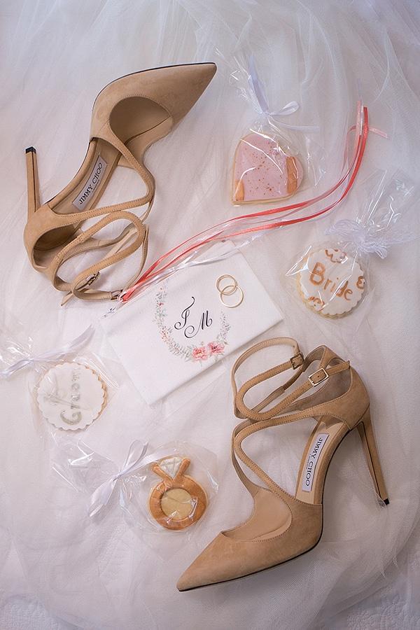 romantic-summer-wedding-athens-roses-coral-hues_03x