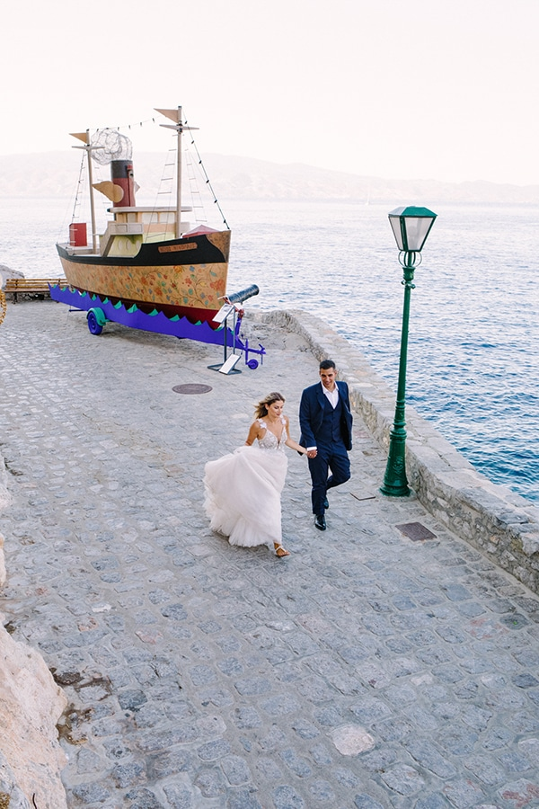 romantic-summer-wedding-athens-roses-coral-hues_13