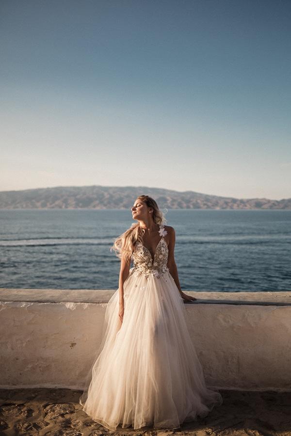 romantic-summer-wedding-athens-roses-coral-hues_15
