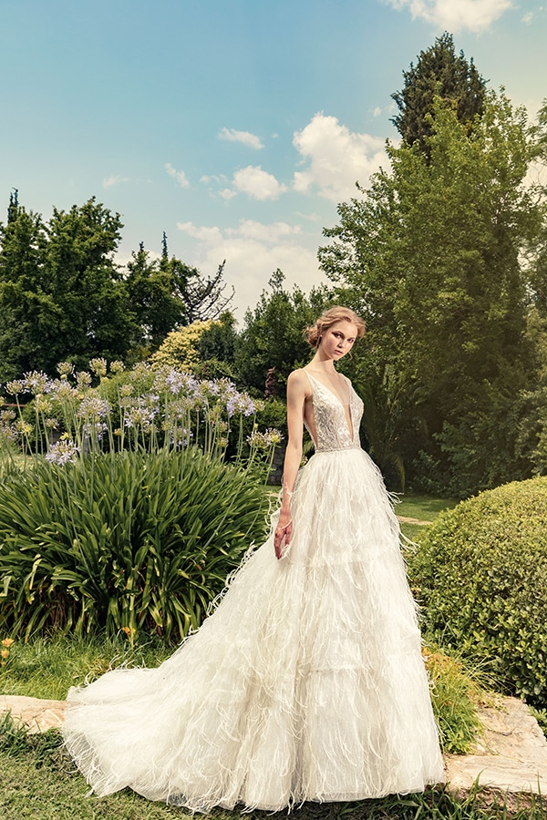 stunning-bridal-creations-stylish-romantic-bridal-look-costantino-romantica-collection-2020_07