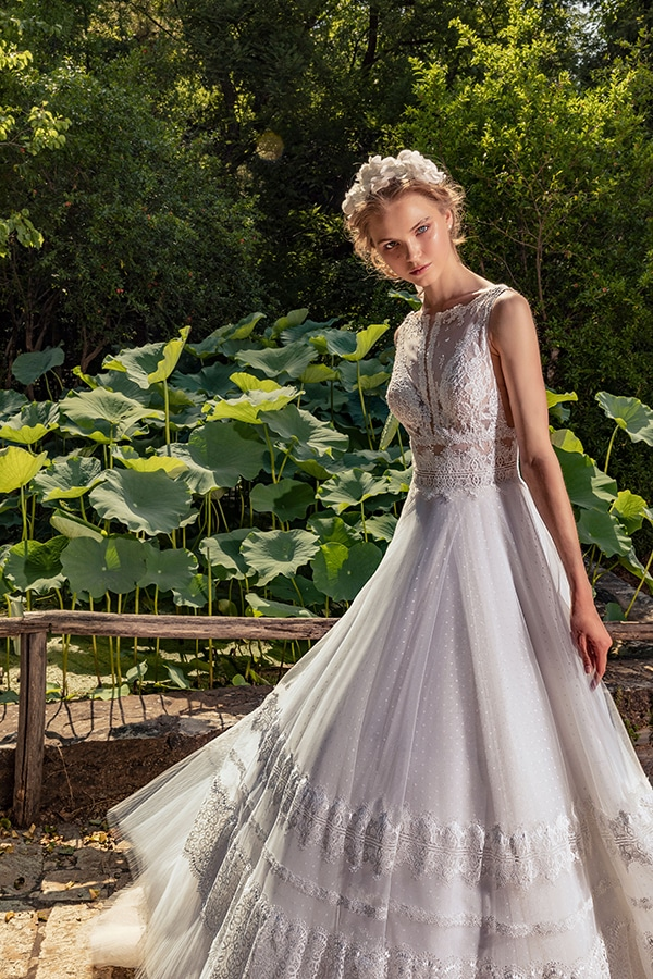 stunning-bridal-creations-stylish-romantic-bridal-look-costantino-romantica-collection-2020_11