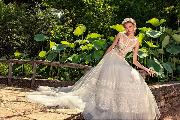 stunning-bridal-creations-stylish-romantic-bridal-look-costantino-romantica-collection-2020_21x
