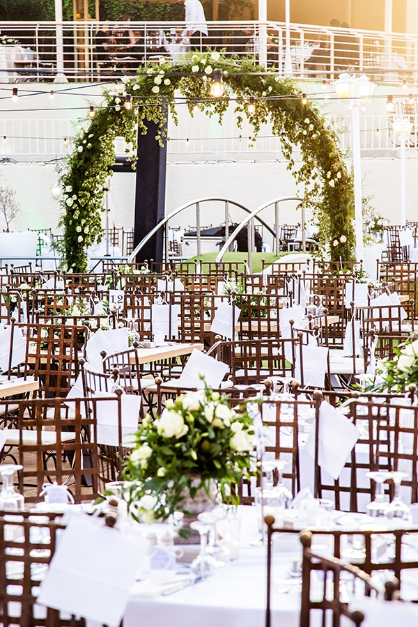 stunning-fall-wedding-thessaloniki-white-flowers_20