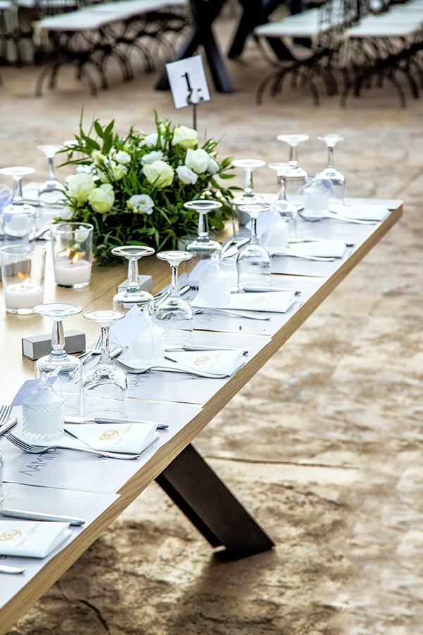 stunning-fall-wedding-thessaloniki-white-flowers_23