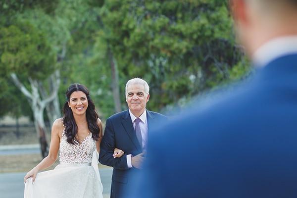 summer-beautiful-wedding-vouliagmeni-white-flowers_15