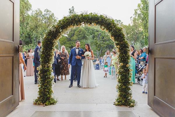 summer-beautiful-wedding-vouliagmeni-white-flowers_16x