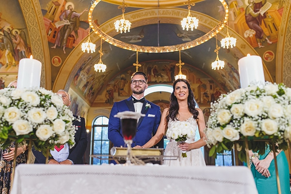 summer-beautiful-wedding-vouliagmeni-white-flowers_18