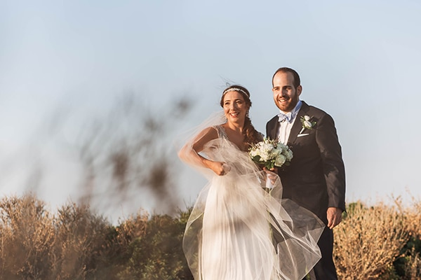 summer-wedding-laas-greenery-white-flowers_01