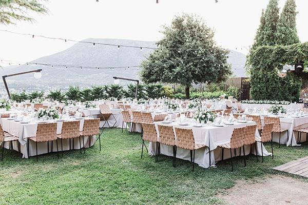 summer-wedding-laas-greenery-white-flowers_28