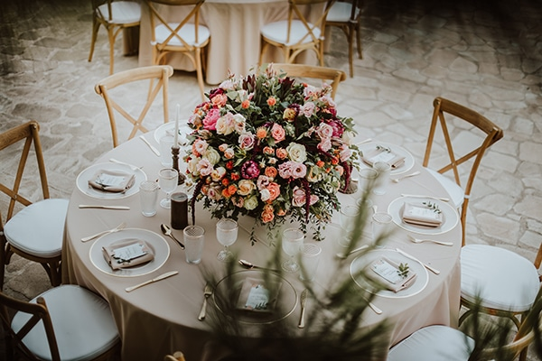 beautiful-summer-wedding-ideas-decoration-impressive-flower-design-romantic-atmosphere_04
