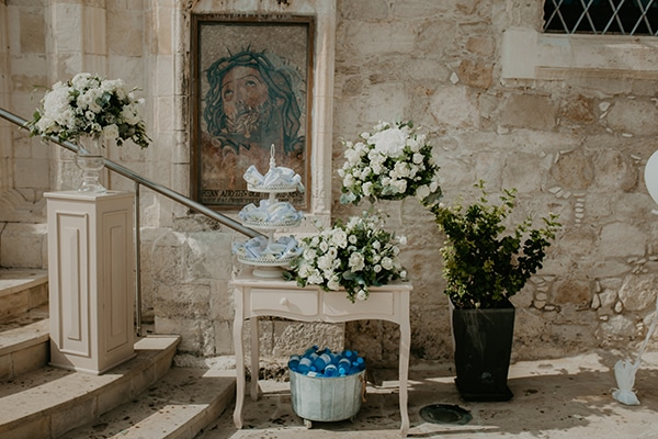 beautiful-summer-wedding-paphos-lush-flower-design-romantic-details_09x