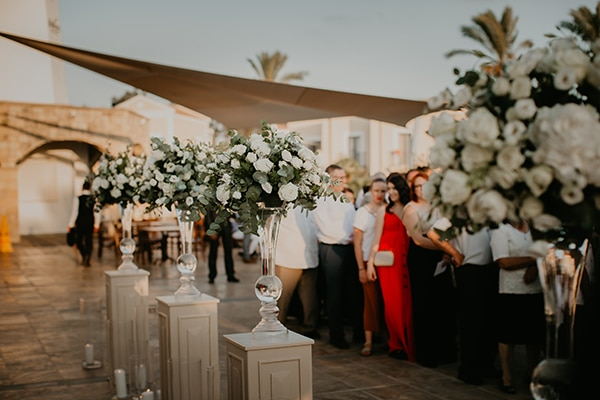 beautiful-summer-wedding-paphos-lush-flower-design-romantic-details_18