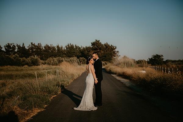 beautiful-summer-wedding-paphos-lush-flower-design-romantic-details_49x