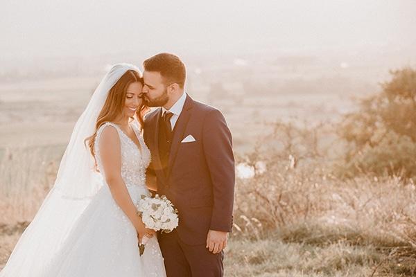 beautiful-summer-wedding-pink-white-hues_03x