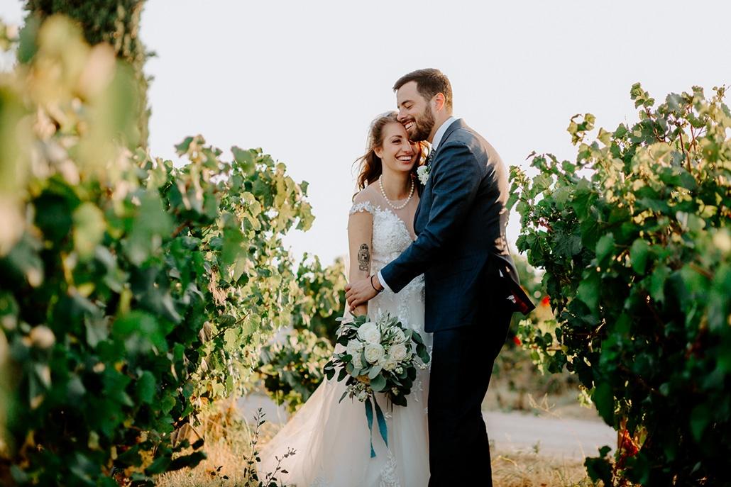 Παραμυθένιος καλοκαιρινός γάμος στην Αθήνα με πλούσια πρασινάδα και fairy lights | Μαρία & Peter