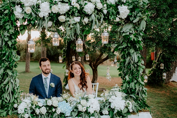 fairytale-summer-wedding-athens-lush-greenry-fairylights_23