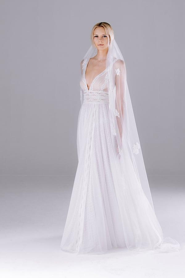 flowy-romantic-wedding-dresses-anna-anemomilou-anem-collection_08