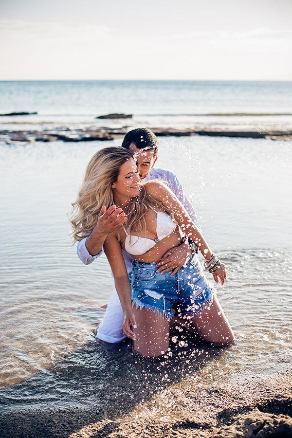 romantic-engagement-shoot-beach_05