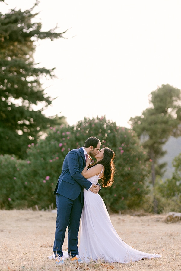 romantic-summer-wedding-athens-olive-brunches_01