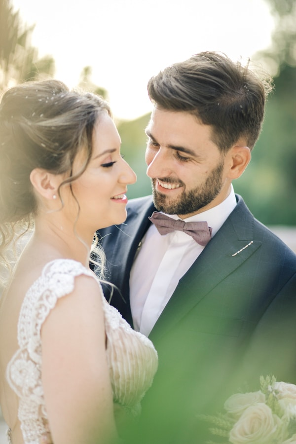 romantic-wedding-flowers-soft-hues-wooden-details_20