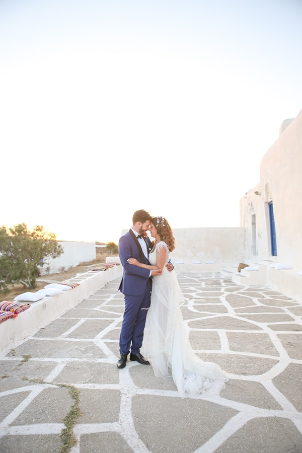 summer-bohemian-wedding-paros-island_21