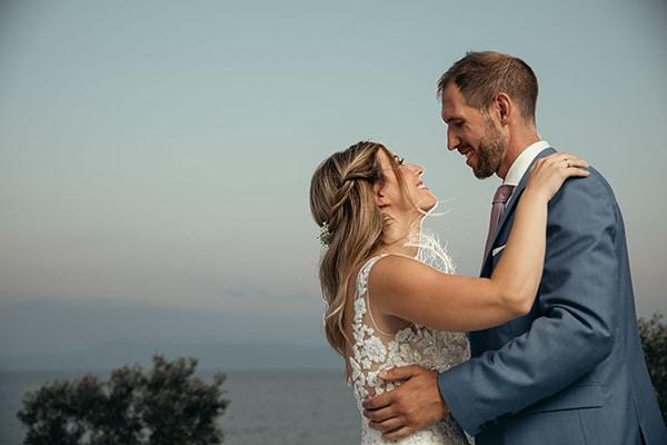 Καλοκαιρινός γάμος στην Καβάλα με ελιά και παστέλ αποχρώσεις | Αναστασία & Kristoffer
