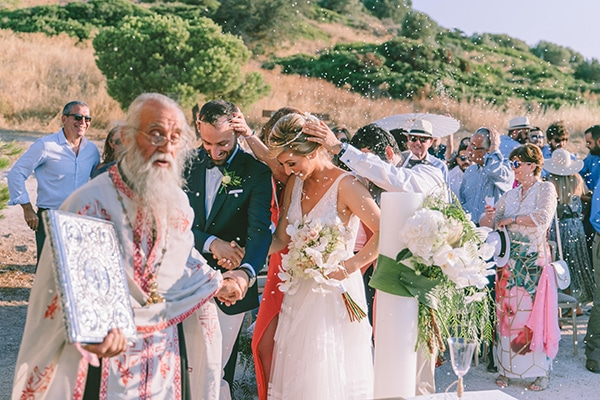 tropical-theme-summer-wedding-dreamy-view-anavisos_22