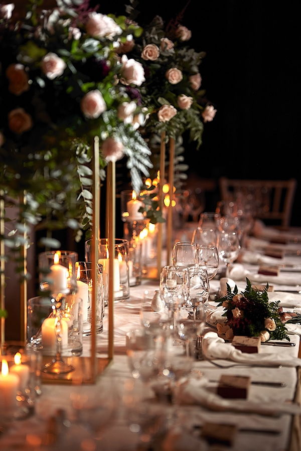 wedding-decoration-ideas-candles-burgundy-hues_01