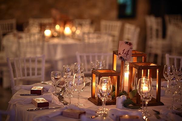 wedding-decoration-ideas-candles-burgundy-hues_03