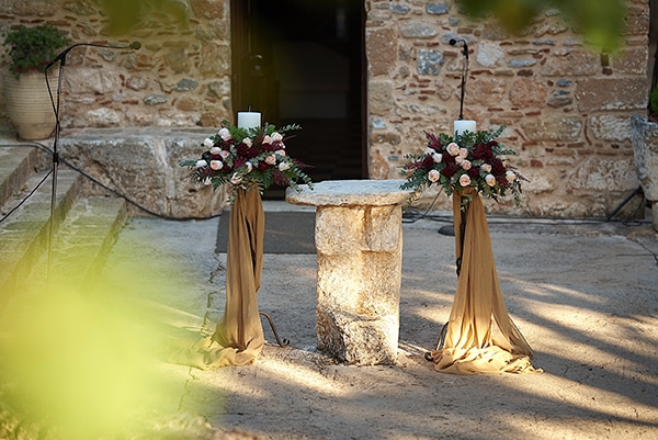wedding-decoration-ideas-candles-burgundy-hues_06