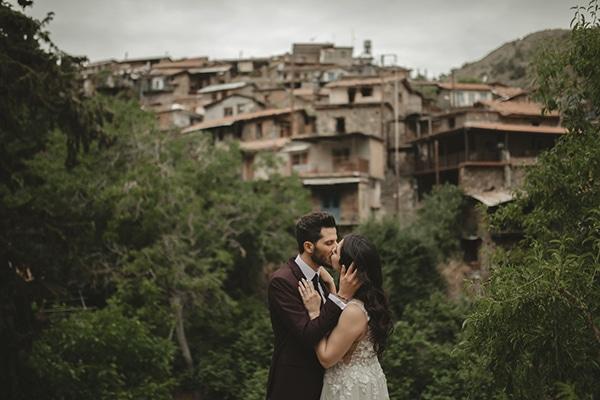 Όμορφος καλοκαιρινός γάμος σε παραδοσιακό χωριό με ρουστίκ λεπτομέρειες │ Φωτεινή & Μάριος