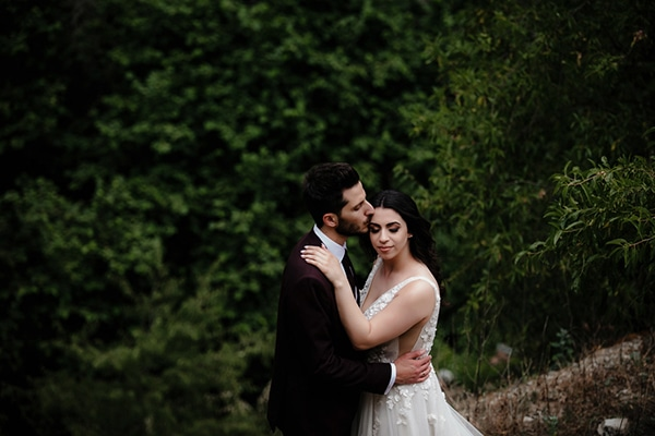 beautiful-summer-wedding-village-rustic-details_01x