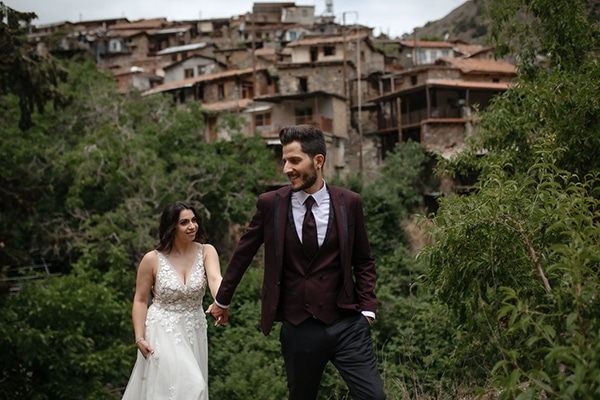 beautiful-summer-wedding-village-rustic-details_02