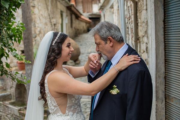 beautiful-summer-wedding-village-rustic-details_09
