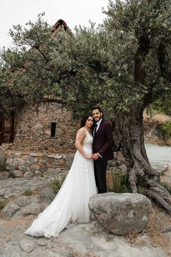 beautiful-summer-wedding-village-rustic-details_19