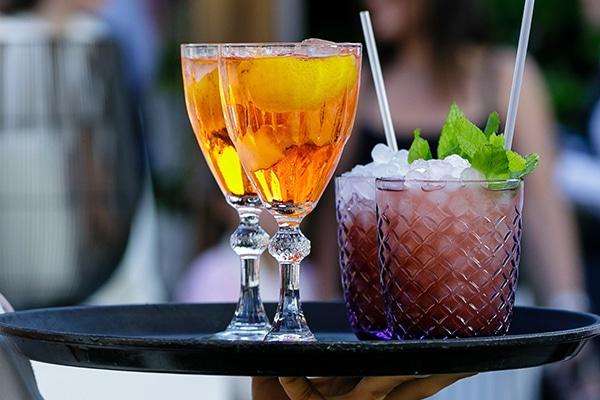 Τα καλύτερα signature cocktails για το γάμο σας