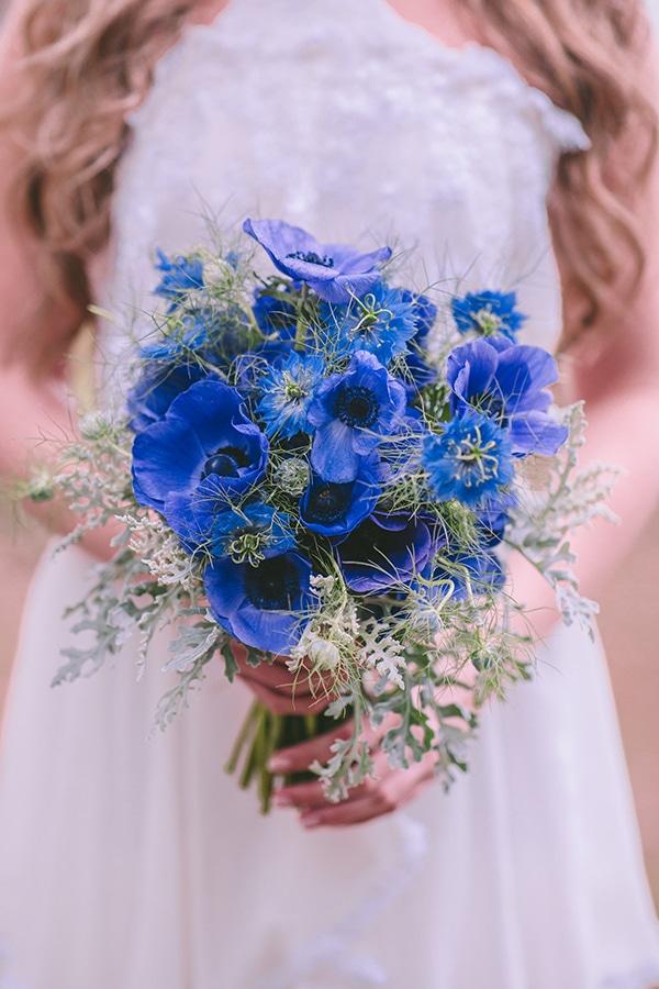 Νυφική ανθοδέσμη με μπλε ανεμώνες