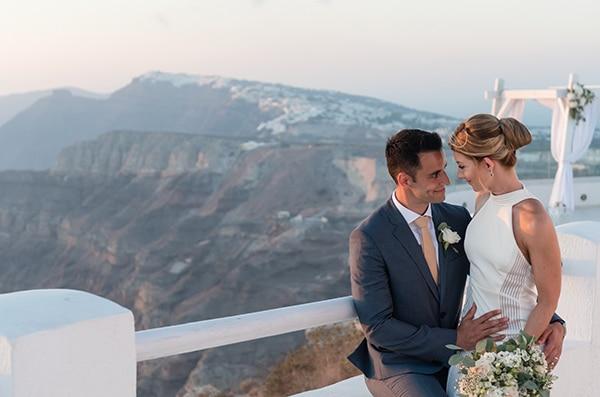 chic-elegant-wedding-santorini-white-florals_02