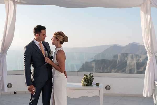 chic-elegant-wedding-santorini-white-florals_23