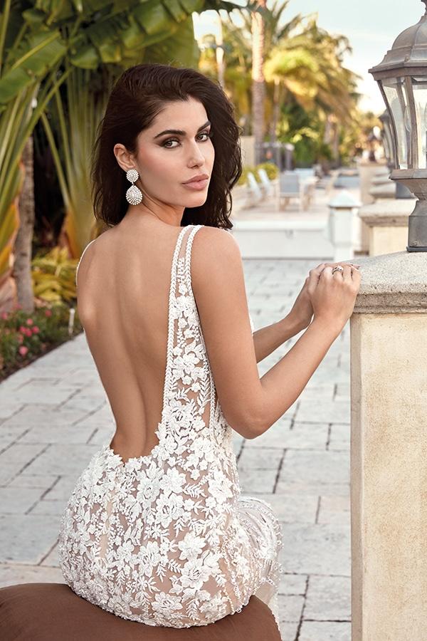 impressive-backless-wedding-dresses-1